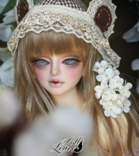 Doll Leaves – Doris