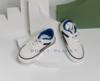 SM05:  1/3  Shoes